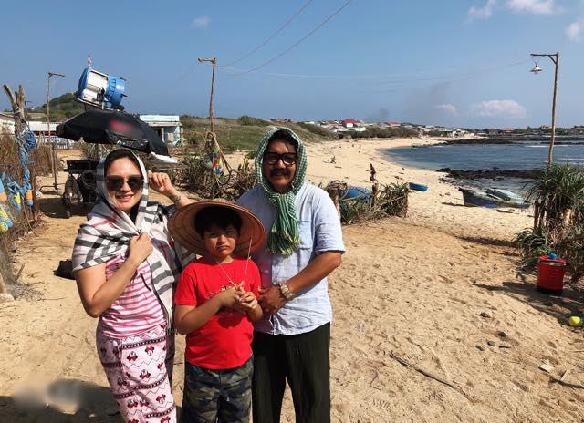Thanh Thúy và con trai lớn Cà Phê ra phim trường động viên Đức Thịnh và êkíp.