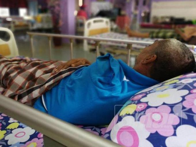 Ông Awang hiện sống ở nhà phúc lợi dành cho người già Rumah Ehsan ở Malaysia sau khi bị 4 đứa con bỏ rơi. Ảnh: Sinar Harian.