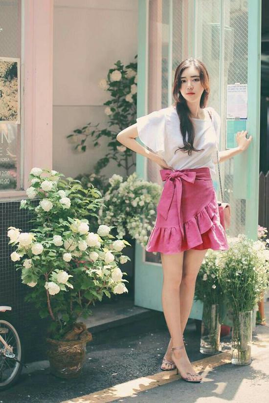 Set đồ đi làm vừa mang lại cảm giác thoải mái vừa giúp người mặc thể hiện sự sành điệu với cách chọn trang phục đúng mùa.