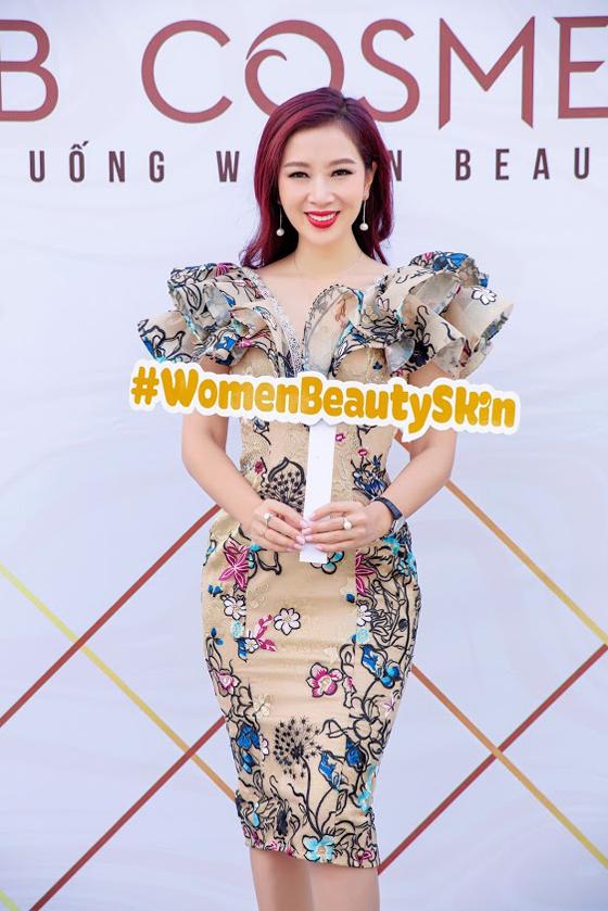 Á hậu Quý bà Thế giới Thu Hương đồng hành cùng WB Cosmetic