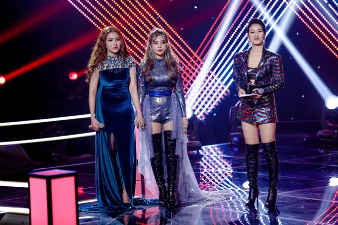 Bích Tuyết, Bảo Yến và MC Phí Linh ở vòng thi Đối đầu.