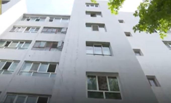 Khu chung cư ở thành phố Y Ninh, Tân Cương, nơi xảy ra tai nạn hôm 23/5. Ảnh: Asiawire.
