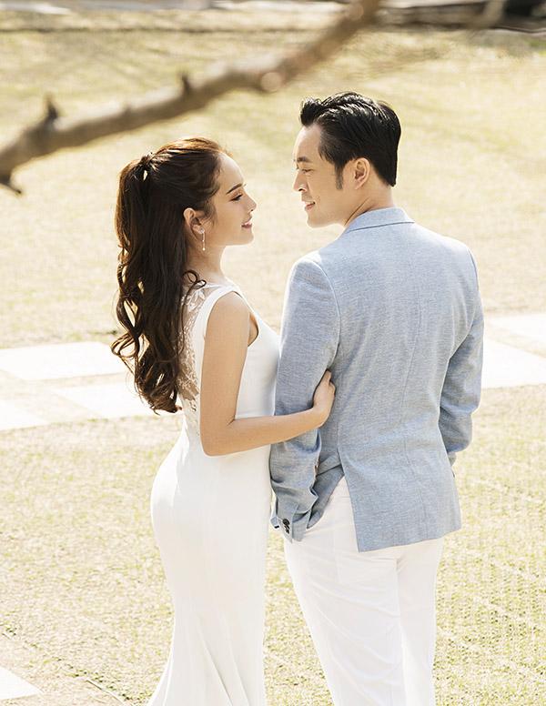 Sara Lưu kể, chồng sắp cưới rất yêu thương và quan tâm chăm sóc cô chu đáo. Nhạc sĩ thích vào bếp nấu cho hôn thê ăn và nói lời ngọt ngào với cô.