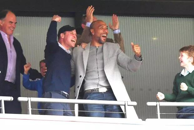 Làfan cuồng nhiệt của Aston Villa, Hoàng tử William không giấu được niềm vui sau khi đội bóng của HLV Dean Smith đánh bại Derby 2-1 trong trận play-off trên sân Wembley hôm 27/5.