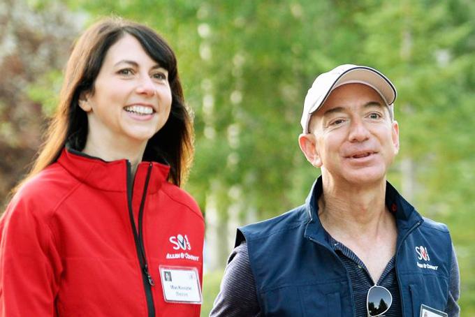 MacKenzie và Jeff Bezos thời còn mặn nồng. Ảnh: CNBC.