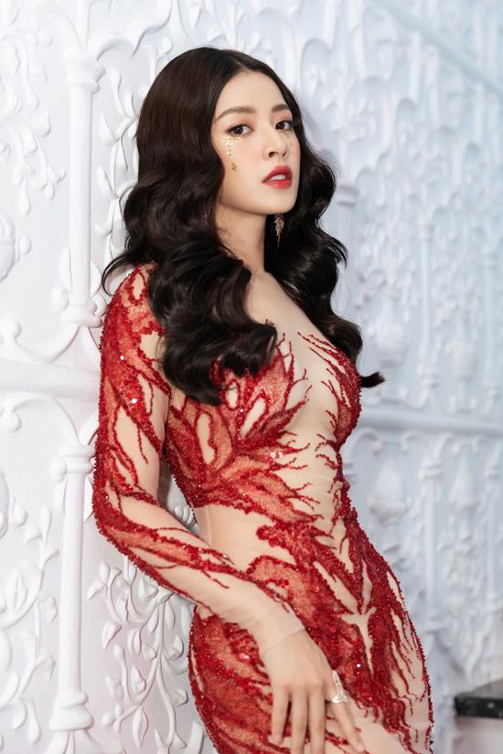 Chi Pu, Quỳnh Anh Shyn diện váy xẻ quay hình show Đỗ Long - 2