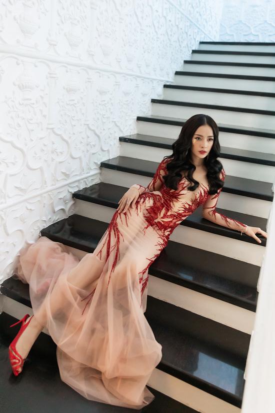 Chi Pu, Quỳnh Anh Shyn diện váy xẻ quay hình show Đỗ Long - 3