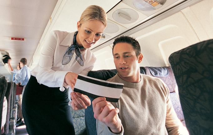 Bạn có phải đổi chỗ trên máy bay nếu hành khách khác yêu cầu?