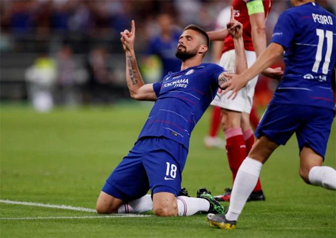 Tiền đạo Giroud là người mở tỷ số cho Chelsea ở phút 49 sau hiệp một không có bàn thắng nào được ghi. Hơn 10 phút sau, Pedro nâng tỷ số lên 2-0 trước khi Hazard ấn định chiến thắng với một cú đúp. Arsenal chỉ có được một bàn danh dự do công của cầu thủ vào thay người Iwobi. Với thất bại này, Pháo thủ không có vé lên chơi ở Champions League màtiếp tục phải chơi ở Europa League mùa sau