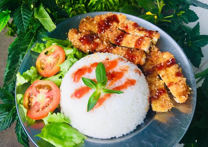 Cơm gà chiên xù sốt teriyaki ngày cuối tuần