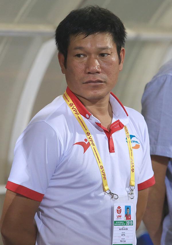 HLV Hải Biên - trợ lý số một của HLVLee Heung-sil tại CLB Viettel. Ảnh: Đương Phạm.