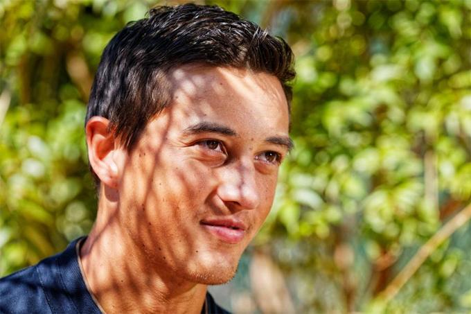 Antoine Hoang lấy bằng đại học về thể thao trước khi tập trung thi đấu đỉnh cao.