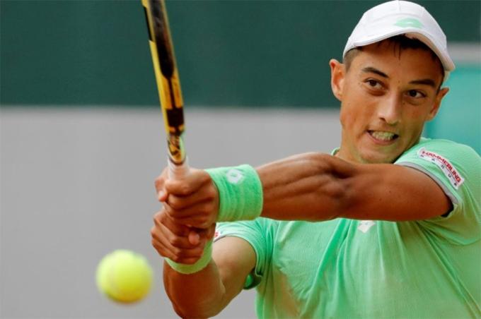 Antoine Hoang có chiến thắng trước Fernando Verdasco.