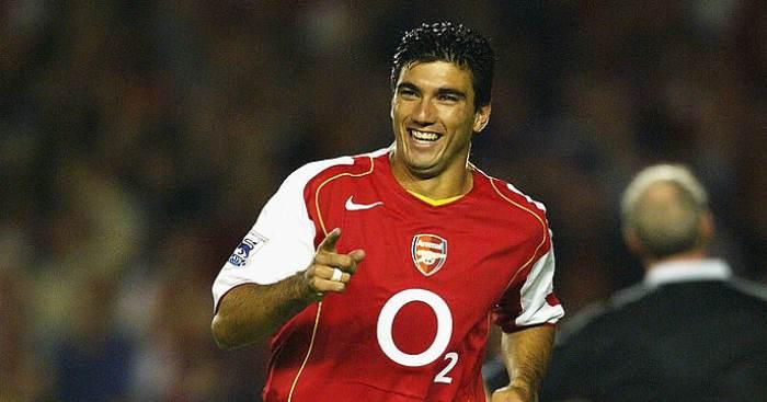 Reyes ngày còn khoác áo Arsenal. Ảnh: Reuters.