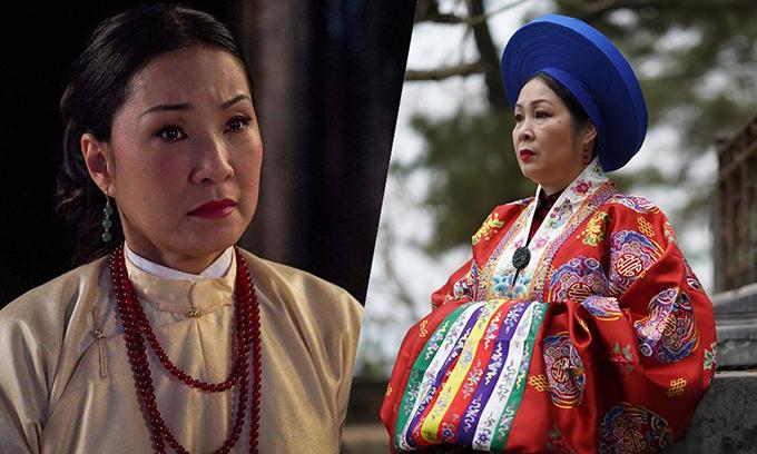 NSND Hồng Vân (phải)vai Lệnh Phi và nghệ sĩ Hồng Đào vai quý phi Hiệu Nguyệt.