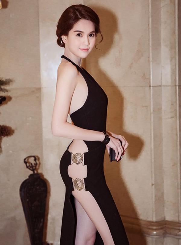 Những kiểu váy hở khiến Ngọc Trinh bị ném đá