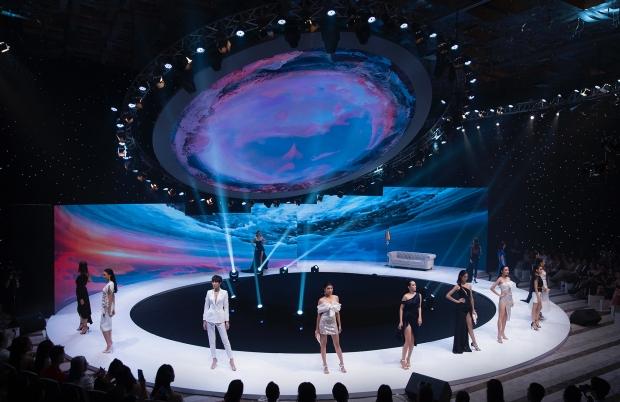 BST 'Ocean'S Sensation' của NTK Đỗ Long 'bùng nổ' và tỏa sáng tại White Palace - 2