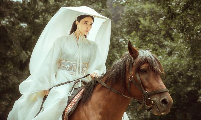 Việc giữ lại Phạm Băng Băng trong vai chính bị cho là mạo hiểm đối với phim Ba Thanh truyện.