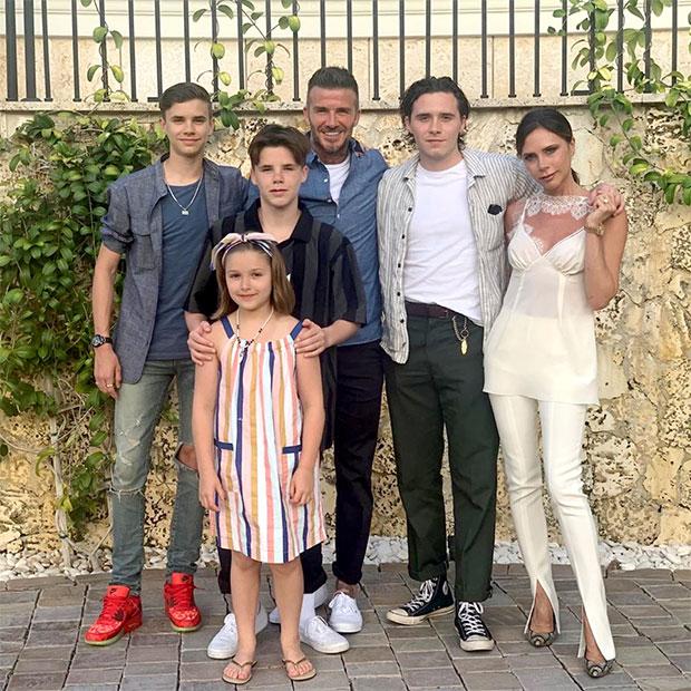 Gia đình Becsk có một tuần vui chơi ở Miami, Mỹ tuần trước. Hana cũng ở xứ cờ hoa nhưng có vẻ khô