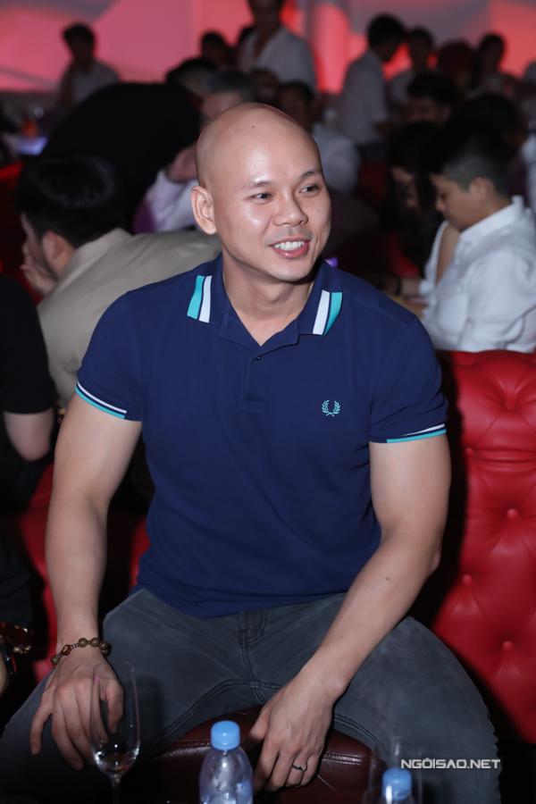Ca sĩ Phan Đình Tùng.
