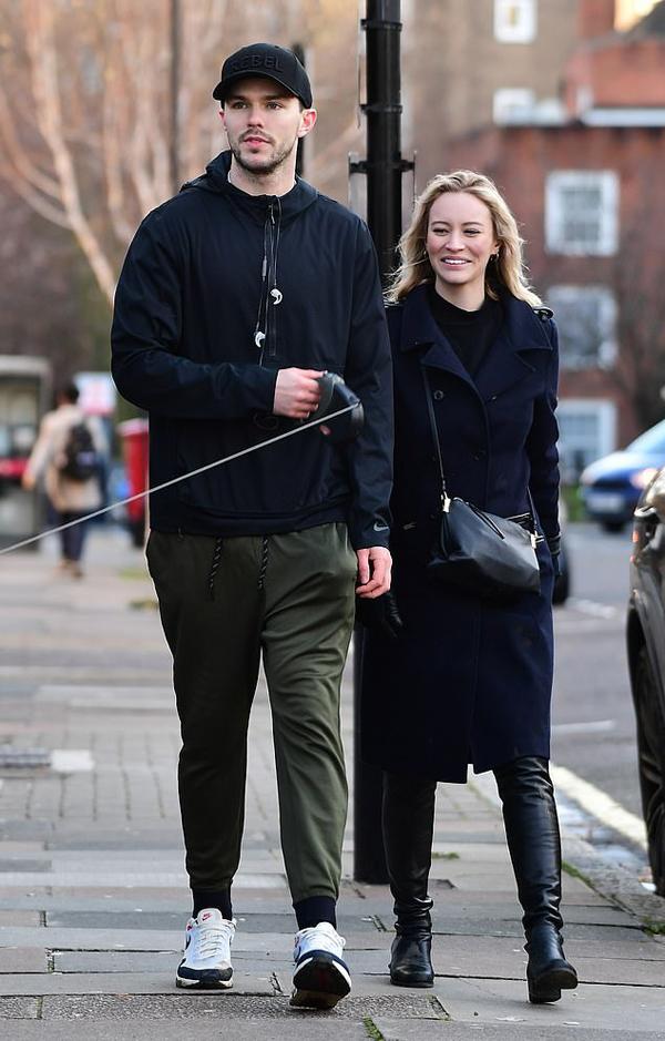 Nicholas Hoult đã kết hôn với người mẫu Bryana Holly Bezlaj vào năm 2017 và có một cô con gái.