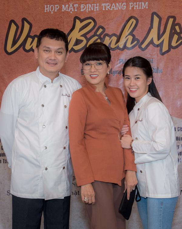 Nghệ sĩ Hữu Châu, Phương Dung và hot girl Ngọc Thảo tiết lộ họ đã phải đi học làm bánh mì để tham gia phim này.