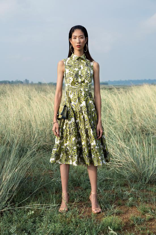 Lấy cảm hứng từ vẻ đẹp đồng nội cùng các sắc hoa mùa hè, nhà thiết kế Nguyễn Trường Duy đã cho ra mắt bộ sưu tập mới.