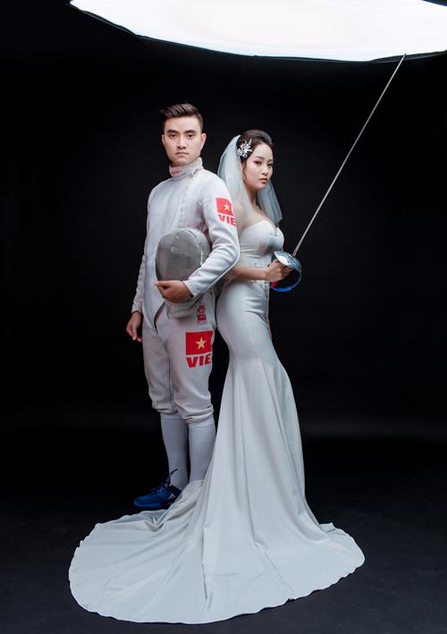 Khi chụp hình, Thành An và Tú Anh cũng trải qua đôi chút khó khăn vì phải thay đổi trang phục và di chuyển tới địa điểm xa để chụp hình.