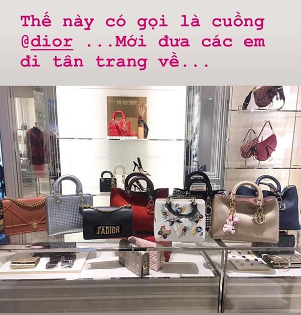 Trên trang cá nhân hôm 5/6, Hoa hậu Phạm Hương khoe bộ sưu tập túi Dior đáng giá bạc tỷ đến từ Dior. Sau thời gian sử dụng, cô đưa các con cưng đế Dior chăm sóc, tân trang, giúp chúng bền đẹp lâu hơn.