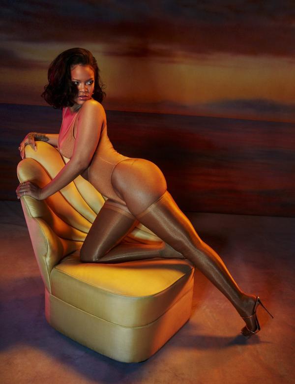 Nữ ca sĩ hiện hẹn hò tỷ phú Ảrập Hassan Jameel, kém cô 1 tuổi. Bạn trai Rihanna làm phó chủ tịch của công ty gia đình Abdul Latif Jameel - nơi sở hữu quyền phân phối xe hơi Toyota cho Ảrập Xê-út. Hassan sẽ được thừa kế khối tài sản 1,5 tỷ USD.