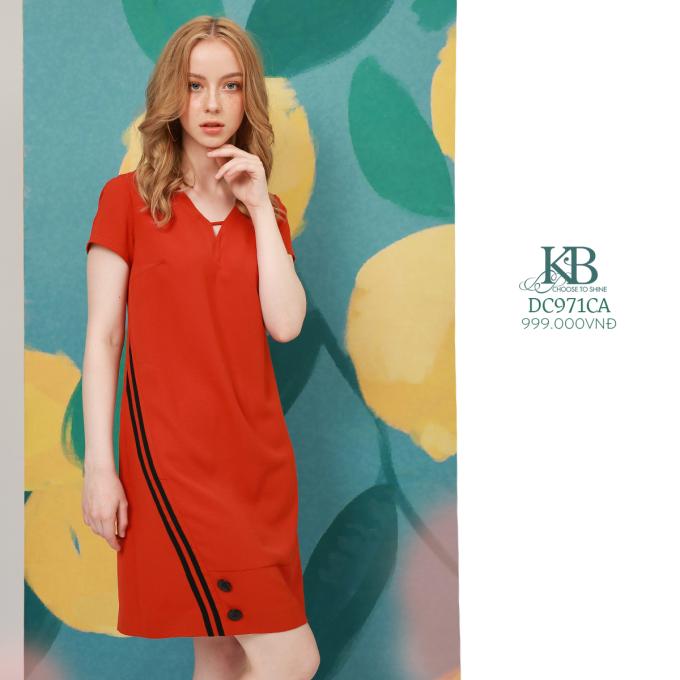 KBFashion hy vọng những thiết kế tinh giản của The Summer Scent sẽ trở thành nguồn năng lượng tích cực ở bên bạn mỗi ngày! Toàn bộ các thiết kế trong BST The Summer Scent đều đã có mặt trên hệ thống showroom của KBFashion. Hãy khám phá ngay để không bỏ lỡ món đồ bạn yêu thích.