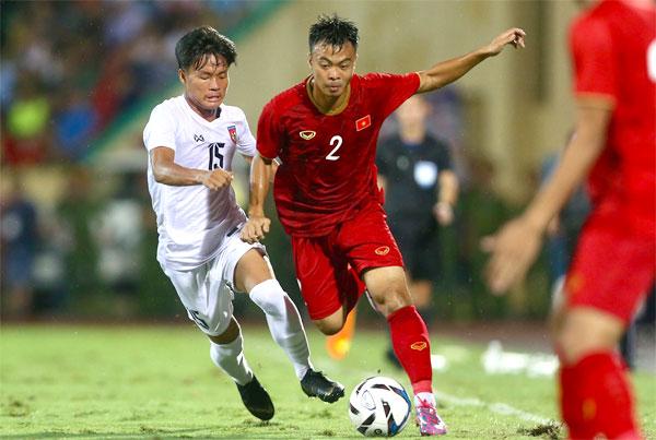 Việt Nam tỏ ra vượt trội đối thủ Myanmar.