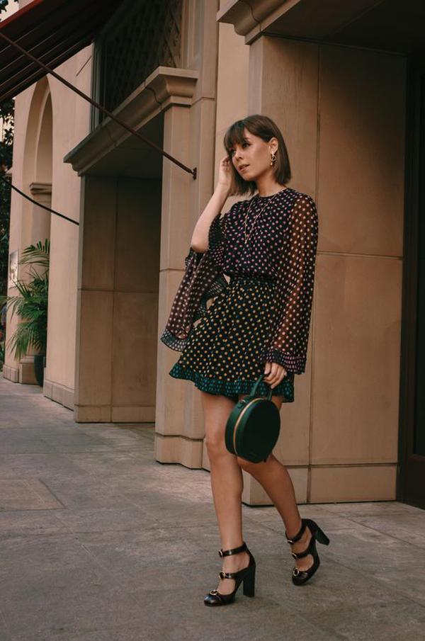 Ở mùa thời trang xuân hè 2019, hoạ tiết chấm bi bắt đầu có những dấu hiệu trở lại. Minh chứng rõ nhất là các fashinista thế giới chọn lựa để xuống phố.