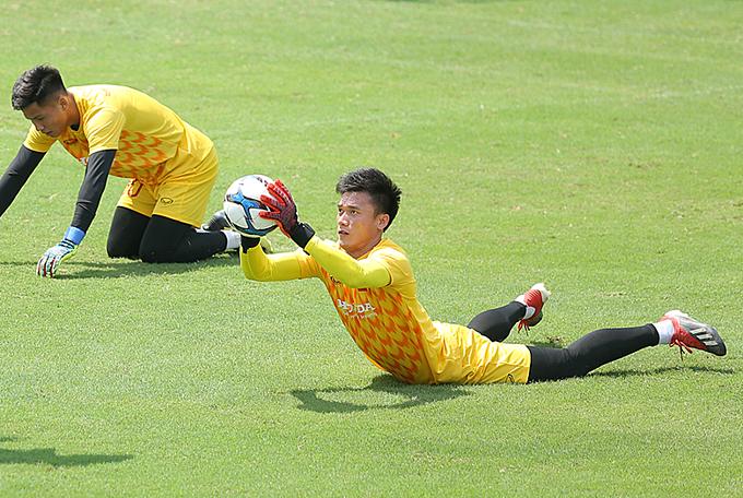 Bùi Tiến Dũng tập luyện cùng U23 Việt Nam. Ảnh: Đương Phạm.