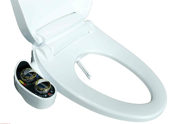 Nắp bồn cầu thông minh Luva Bidet - LB204 còn có chế độ nước nóng tiện lợi, phù hợp cho nhu cầu sử dụng trong mùa lạnh.