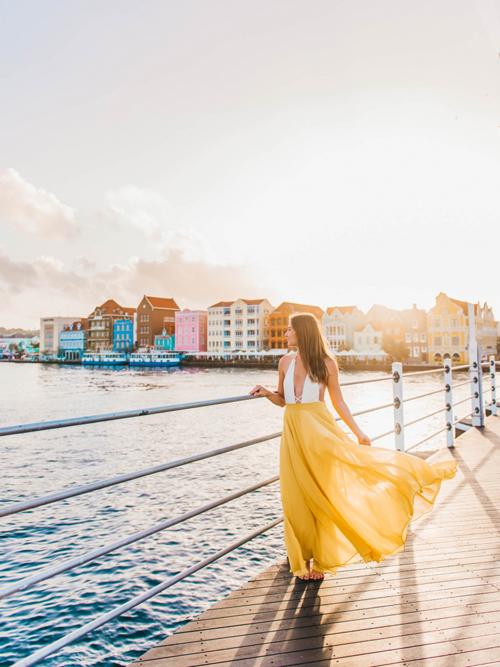 Cùng các nữ blogger khám phá Curacao - hòn đảo đối thủ của Việt Nam - 7