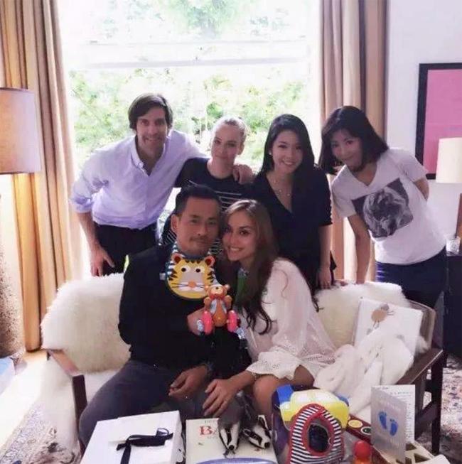 Mandy Lieu và Alvin Chau trong ngôi nhà ở Anh.