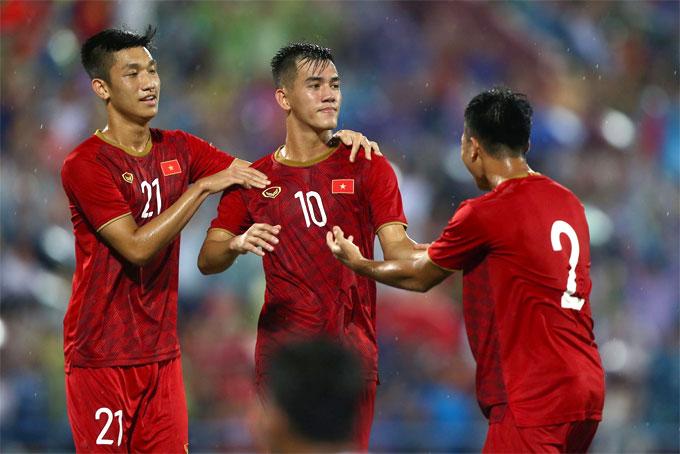 Phút 75, Tiến Linh ghi bàn ấn định chiến thắng 2-0 cho Việt Nam. Hai phút sau, Myanmar mất người khi tiền đạo Naing Tun nhận thẻ vàng thứ hai. Phút bù giờ thứ 5,Trọng Huy cũng bị trọng tài rút thẻ đỏ trực tiếp sau pha vào bóng thô bạo.