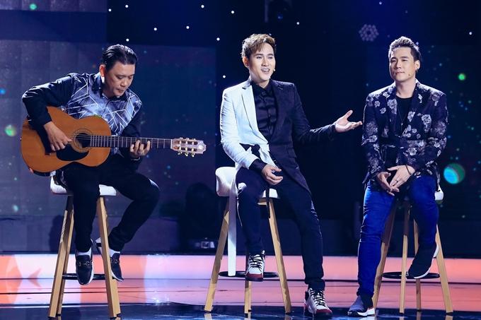 Ca sĩ Khánh Phương (bìa phải) là đồng nghiệp thân thiết của Nguyên Vũ. Cả hai kết hợp ăn ý trong ca khúc Vầng trăng khóc.
