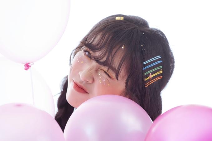 Nhiếp ảnh: Mon Trần, stylist: Kim Thành, trang điểm: Hân Nguyễn