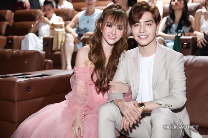 Tại buổi ra mắt sản phẩm âm nhạc chiều 10/6, ca sĩ Thu Thủy chính thức công khai bạn trai mới sau gần một năm ly hôn.