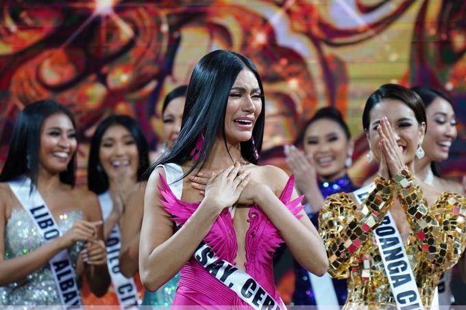 Gazini Ganados vừa đăng quang Hoa hậu Hoàn vũ Phiippines 2019 trong chung kết cuộc thi diễn ra tối 9/6.