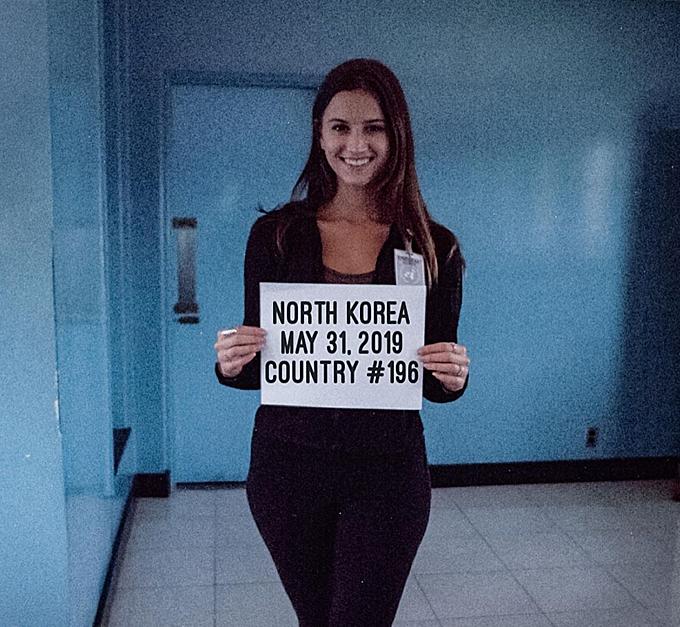 Quốc gia cuối cùng mà Lexie đặt chân tới để hoàn thành chặng đường chinh phục 196 quốc gia chính là Bắc Triều Tiên - đất nước bí ẩn và có nhiều quy định ngặt nghèo nhất với du khách, đặc biệt là người Mỹ như cô.