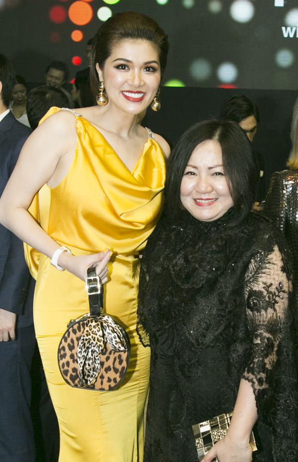 Oanh Yến gặp gỡ bà Trang Lê - trưởng ban tổ chức cuộc thi The Face Việt Nam.