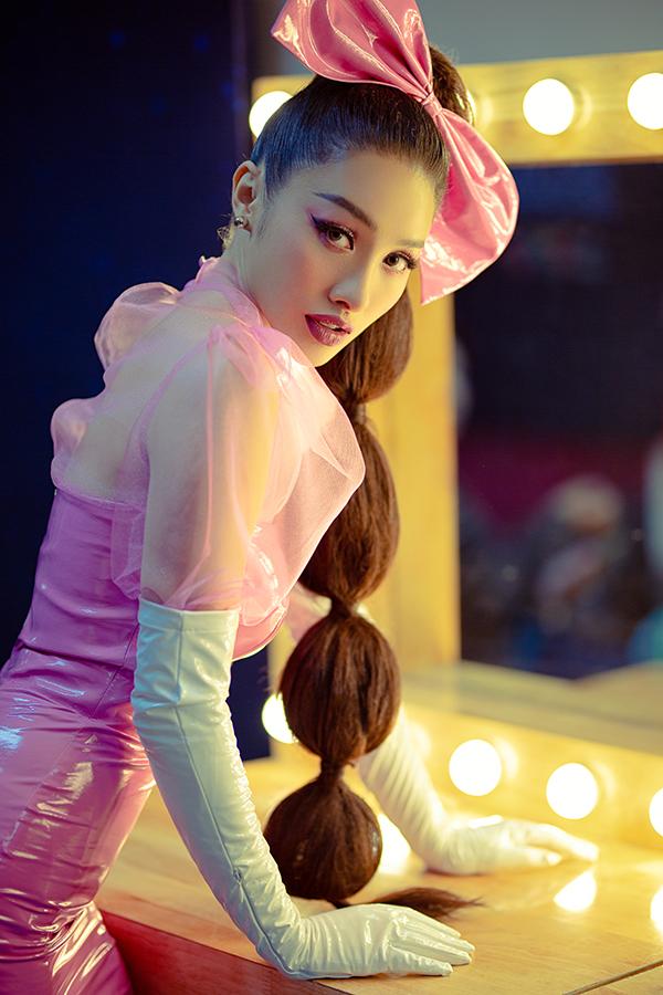 Yaya Trương Nhi mặc toàn màu hồng ở Trời sinh một cặp - 16