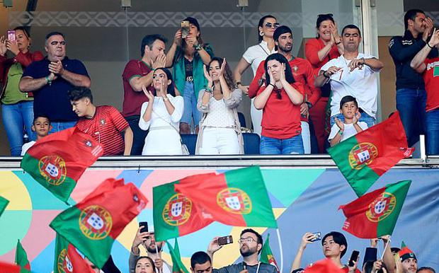Bạn bè và người thân gia đình C. Ronaldo