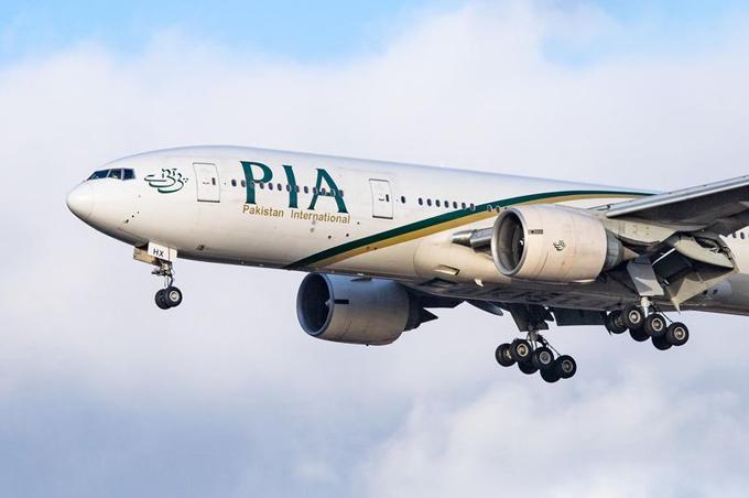 Máy bay của hãng hàng không Pakistan PIA. Ảnh: PA.