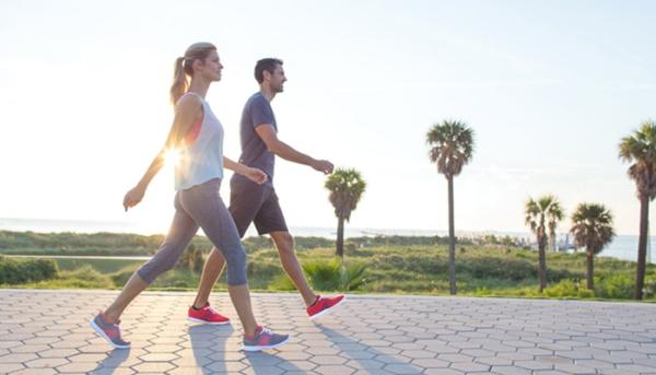 Tập thể dục nhẹ nhàng Tập vài bài tập nhỏ sau bữa tối khoảng 2 tiếng như đi bộ, yoga, giúp bạn đốt cháy lượng mỡ dư thừa. Ngoài ra, các bài tập này sẽ giúp bạn giảm căng thẳng sau mộtngày làm việc vất vả và ngủ ngon hơn.