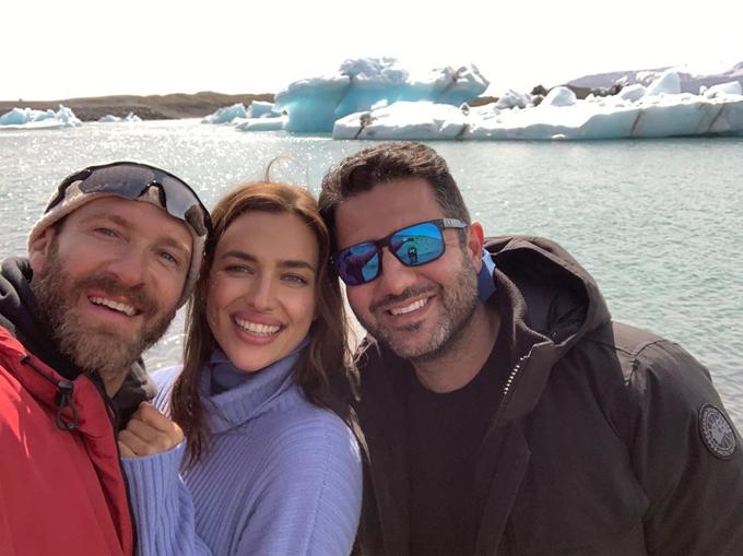 Người đẹp tới Iceland từ ngày 6/6 để chụp hình cho thương hiệu Intimissimi. Cô cũng muốn tạm lánh một thời gian ở nước ngoài để không bị paparazzi săn hình giữa thời điểm này.