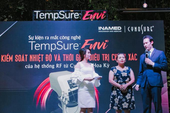 Sự kiện ra mắt công nghệ TempSure Envi - Kỹ thuật kiểm soát nhiệt độ và thời gian trị liệu chính xác của hệ thống RF từ CynoSure (Mỹ) diễn ra ngày 7/6, thu hút nhiều sự quan tâm của nhiều bác sĩ, chủ đầu tư của các trung tâm thẩm mỹ lớn nhỏ tại TP HCM và Hà Nội.